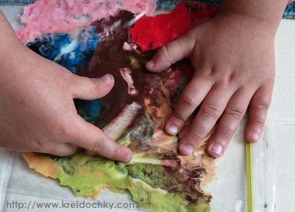 Саморобна іграшка - фарба в пакеті