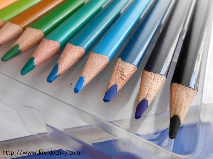 трикутні олівці